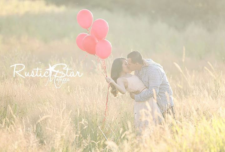 Would make a cute gender reveal photo @Amy Lyons Lyons Lyons Martell I love love love this one! :)