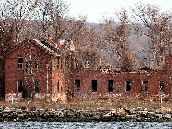 The Scariest Places in America | HART ISLAND, NEW YORK CITY | Many New Yorkers don't even know about this 101-acre island, which sits in the Long Island Sound and is part of the Bronx. Once a Nike missile base, the island has been home to prisoners and psychiatric inmates, and as the country's largest cemetery, is currently a mass burial site for the city's unclaimed and unidentified dead. Burials are handled by volunteer inmates from Riker's Island.