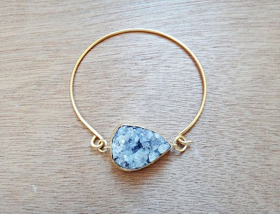 This is a beautiful jewelry for you or your loved ones, a handmade bangle bracelet with amethyst druzy gemstone. The bangle is made of gold plated