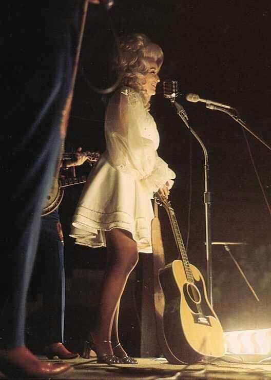 Dolly Parton. Work it.