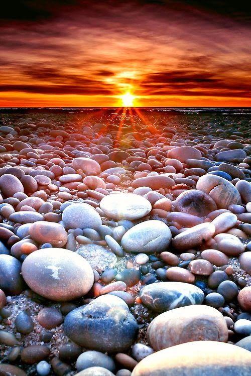 Rocky beach sunset - Neiva, Portugal