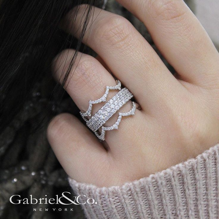 Simple but unique. Shop these diamond stackables to go along with your anniversary band by clicking the link in our bio.  .  .  .  .  #GabrielNY #GabrielandCo #LoveYou #NewYork #Ring #TrueLove #NYC #NewYorkCity #Unique #TreatYourself #Stackables #instagoo