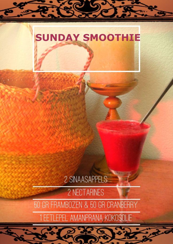 SUNDAY SMOOTHIE! Mmm met nectarines, cranberry, frambozen en Amanprana kokosolie.