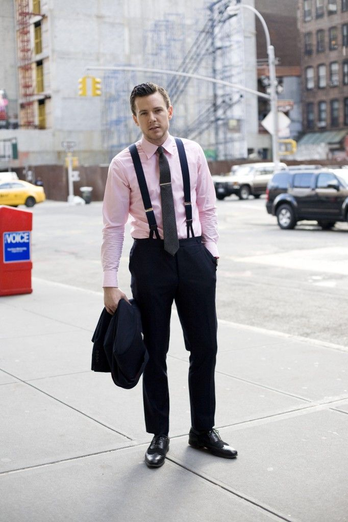 Pastels, including this pale pink shirt, were popular in the summer months.
