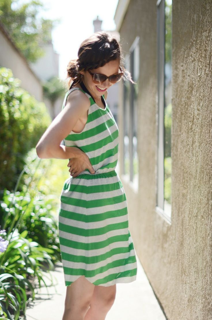 How to add an elastic waistband to a basic dress, a Merrick's Art tutorial.