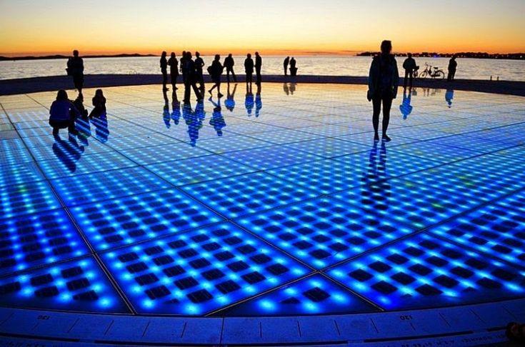 Приветствие солнца - световая инсталляция в Хорватии