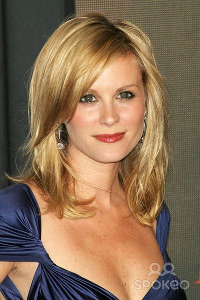 Mid-length layered hair with side fringe (Bonnie Somerville)