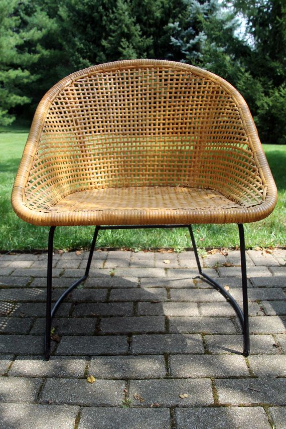 110 Vintage Mid Century Modern Wicker Chair By
