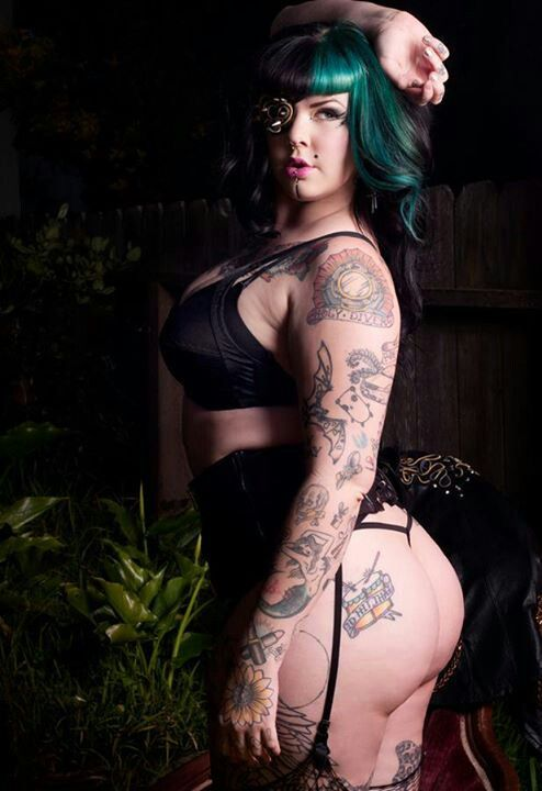 Curves are sexy luscious sexy bbw women bbw curvy for Chubby tattooed girls