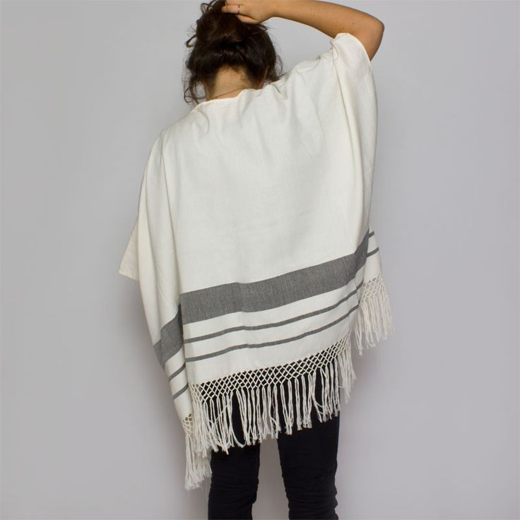 WIND FLOW OPEN PONCHO (black) | Candor Home www.candorhome.com