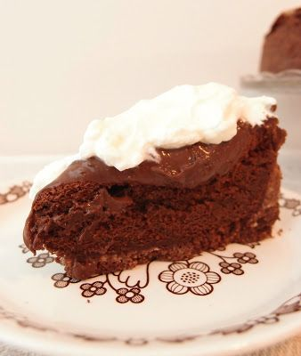 Mississippi Mud Pie by Tummies Full at massuttaynna.blogspot.fi. Recipes in Finnish.