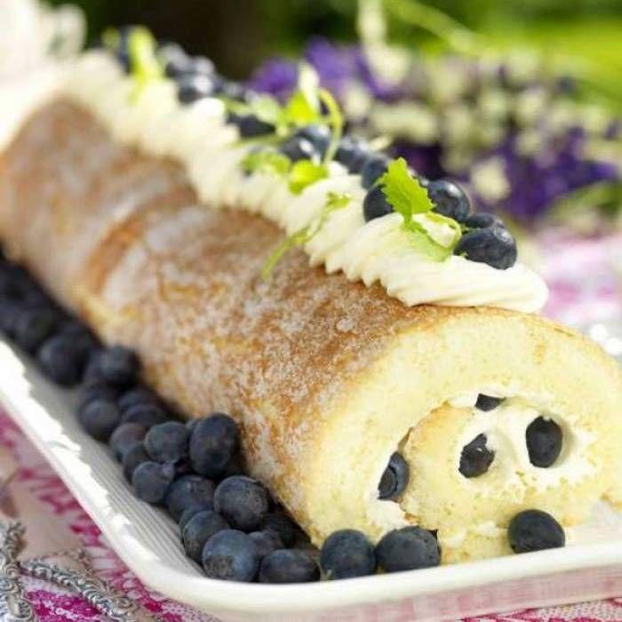 Rulltårta med blåbär & lime