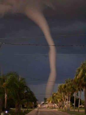 Looks like its coming right down my street...SCAREY.makes the hair on my arms stand up