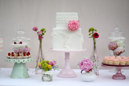 Audrey Kang's first birthday - White cake with beautiful lace details and sugar peony