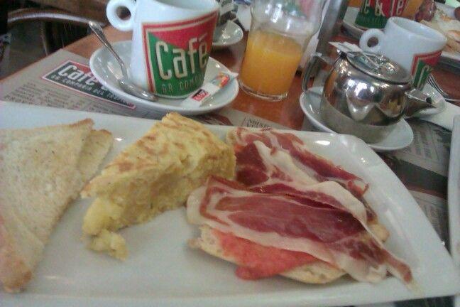 Brekfast in Madrid