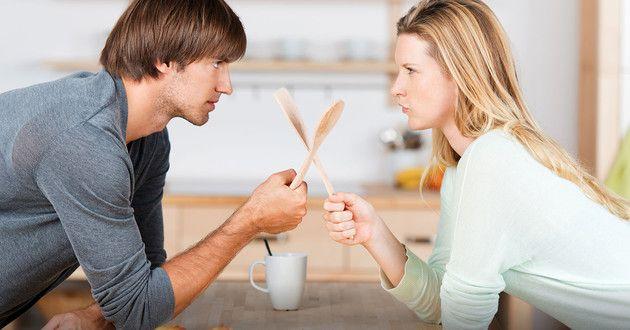 Em briga de marido e mulher não se mete a colher. Será?