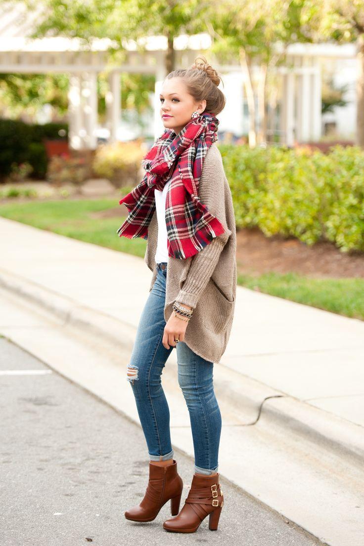 khaki cardi, white tee, plaid scarf, skinny jeans, brown leather booties