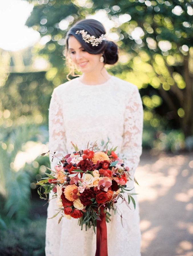Garden inspired bride: http://www.stylemepretty.com/2015/12/14/european-inspired-garden-wedding-shoot/ | Photography: Kristin La Voie - http://kristinlavoiephotography.com/
