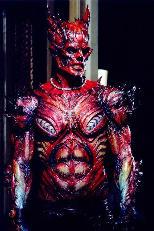 Visuais para Vilões : Uma criatura com descendência demoníaca