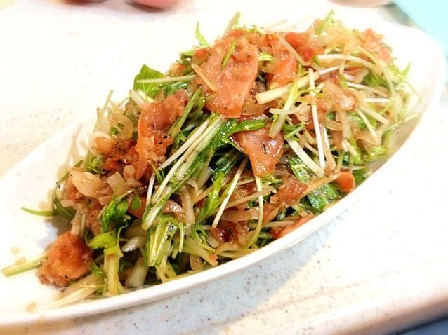 山盛りになってしまった… - 4件のもぐもぐ - スモークサーモンと水菜のバルサミコ酢ドレッシングのサラダ by chamtaro