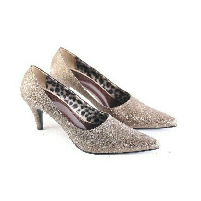 Saya menjual Garsel Sepatu Formal Wanita - L 595 seharga Rp170.000. Ayo beli di Shopee! https://shopee.co.id/jimbluk/104159424/