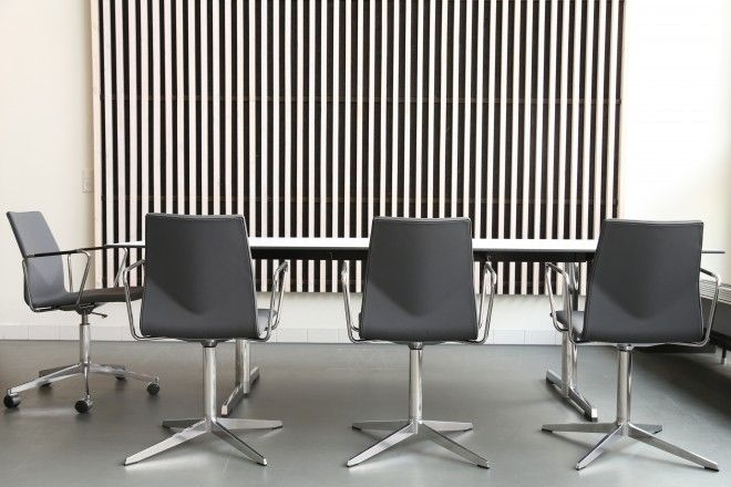 Four® Cast'2 Evo - By Four Design - Casual, Elegant, Convenient – Perfect to meeting rooms. Four Cast'2 Evo is available in 8 attractive colors.