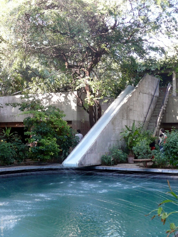 LE CORBUSIER - AHMEDABAD - Casa SarabhaiDecor, Crystals, Backyards Pools, Le Corbusier, Water Slides, Thankswaterslid Awesome, Water Sliding, Backyard Pools, Brutal Architecture