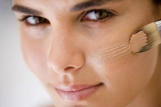 How to Cover Up a Scab on the Face | eHow