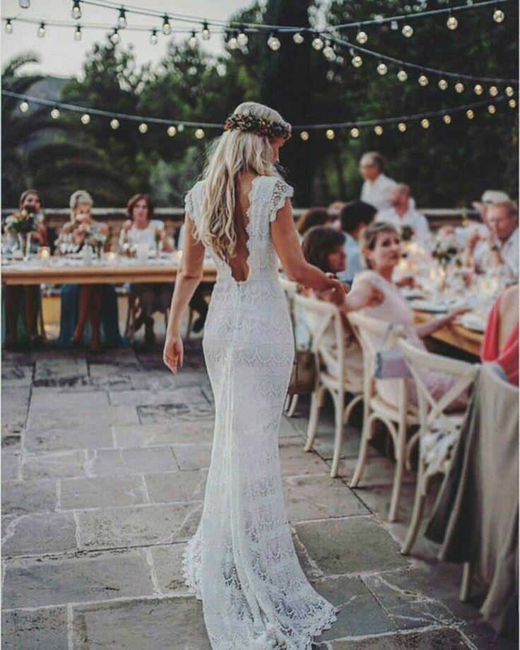 Virou tendência fugir do agito da cidade para celebrar em espaços românticos, com clima natural e paisagens deslumbrantes. Quem vai casar no campo????     #eventoweddingbliss #noivas #evento #fornecedoresderecife #casamento #noivasderecife #casar2017 #noiva #casamento #photooftheday #love #noivasdecaruaru #recife #vestido #noivasdepe #vestido #pernambuco #lol #noivas2017 #amo #boanoite #amo #luxo #casamentonocampo #l4l #inlove #penteadodenoiva #tiara #cabelodenoiva #joias #tiaradenoiva #n...