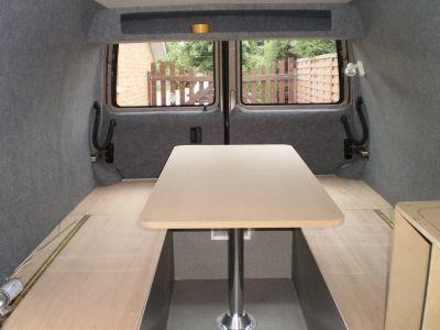 les 25 meilleures id es de la cat gorie trafic am nag camping car sur pinterest camion. Black Bedroom Furniture Sets. Home Design Ideas