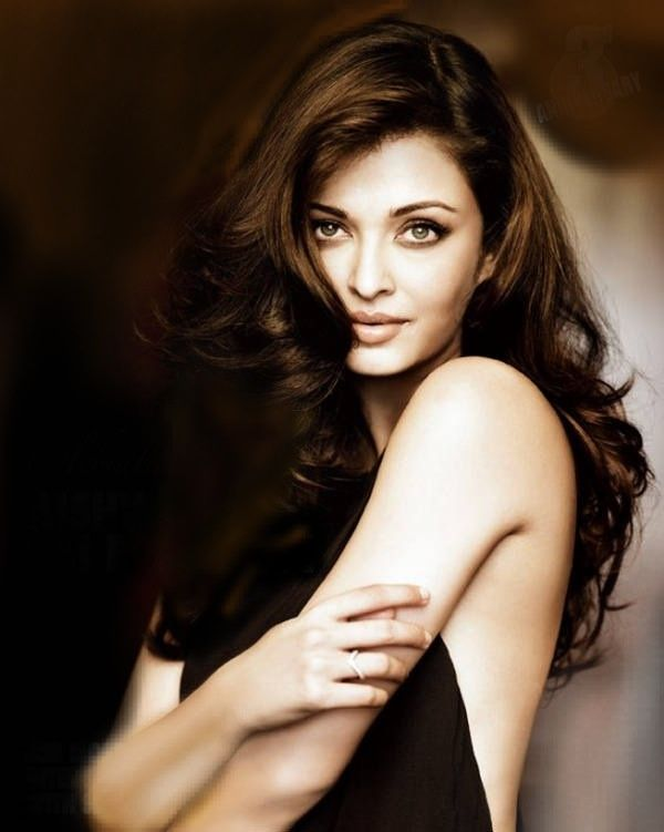 Could Aishwarya Rai, whom I've just discovered on Pinterest, be an option to play Aurelan in New Trek fic - as, to my mind, are Hayden P, & Isla Fisher, whom I remember from Home & Away!
