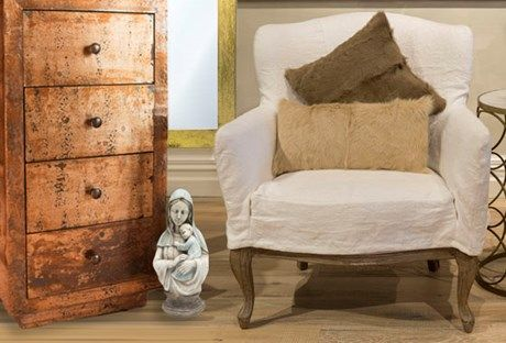 Drawers and luxurious goat fur cushions