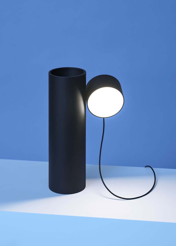 Here are five new minimalist luminaires that make the difference in 2017, and that will give your interior an avant-garde effect for sure. Earnest Studio | Post Lamp Family | brand new fixtures | new lighting | new lamps | pendant lighting | black table lamp | black lighting | minimal design | minimalist design | minimal decor | minimal floor lamp | blue wall | magnetic system | magnetic lamp | magnetic fixtures