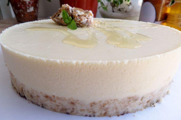 Bavarois de Leche de Coco & Miel sobre crocante de coco!! Suave, cremosa, deliciosa, crujiente!!