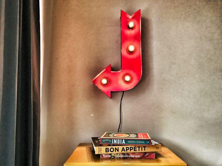 Ben jij ook zo dol op die vrolijke lampen, die je veel ziet op Broadway? OHIMP mag nu een prachtige, rode Broadway Pijllamp weggeven! En meedoen is...