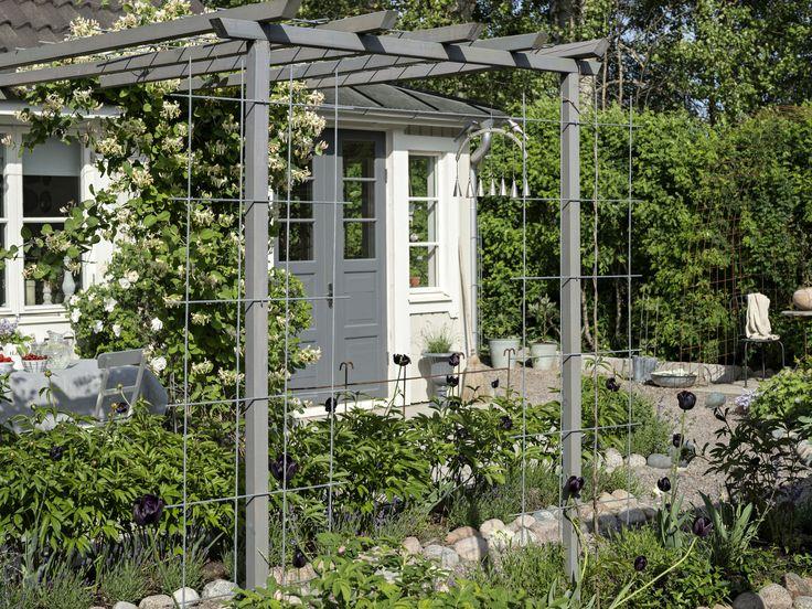 Hemma hos familjen Gilans fantastiska innegård | Leva & bo