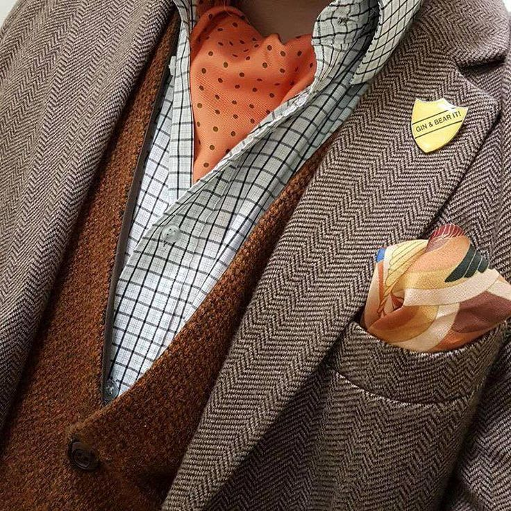 Style blogger Norton of Morton's get up couldn't be any more autumnal on this Cravat Friday.   #menswear #style #silkcravat #cravats #cravat #silkcravats #ascotties #ascots #ascot #ascottie #silkascot #mens #fashion #sartorial #dapper #sharp #luxury #silk #accessories #madeinengland #madeinuk #madeinbritain #buybritish #styling #mensstyle #gentleman #pocketsquare #pocketsquares
