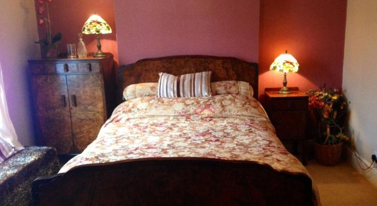 Booking.com: Rose Cottage Bed & Breakfast , London, UK   82 Whitworth Road, Plumstead, Greenwich