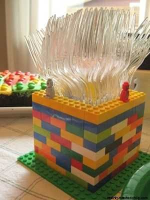Lego birthday ideas (utensil holder, Lego brownies