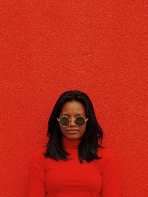 roll neck and round sunglasses, red outfit, monochromatic photography - i love this look so much