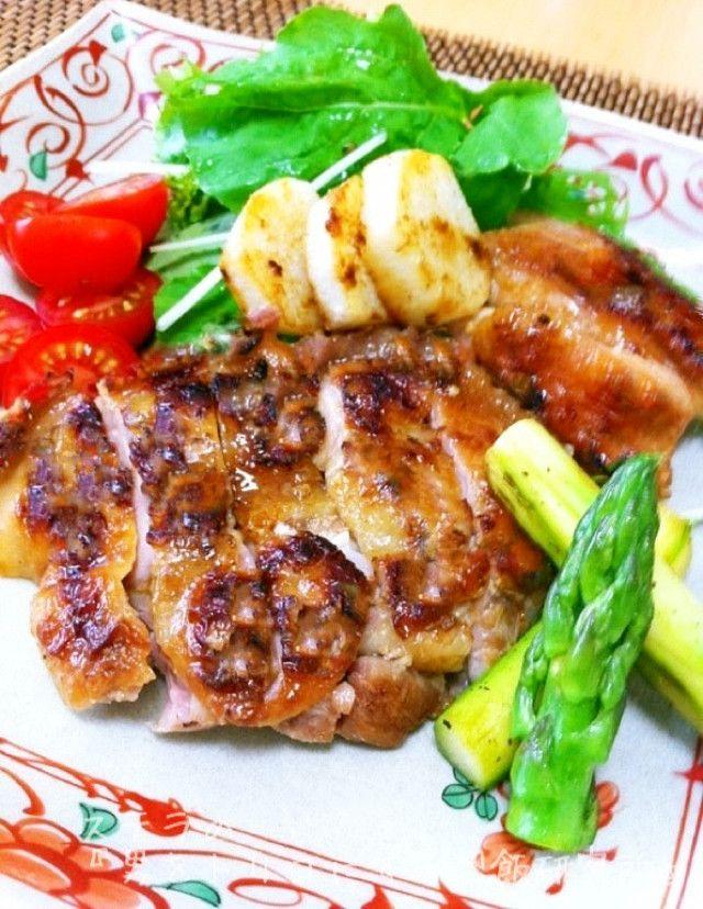 BBQにも!超簡単タイ風焼鳥♪ガイヤーン     家庭でも簡単にタイ料理が作れます〜♫。 バーベキューにもいいですよ。 ( ´ ▽ ` )ノ