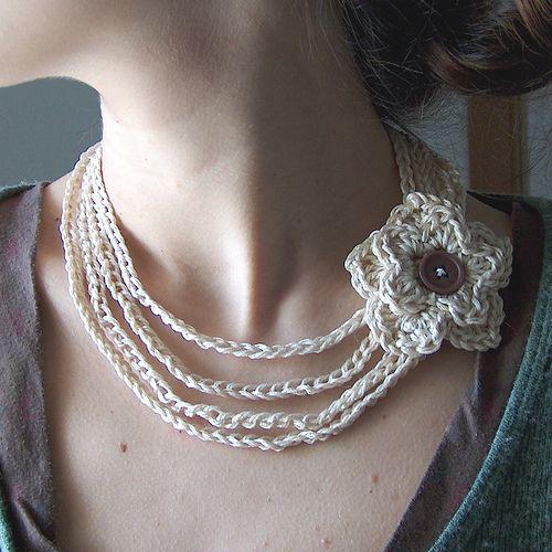 flower necklace.: Crochet Flowers, Crochet Necklaces, Crochet Projects, Free Crochet, Crochet Jewelry, Flowers Necklaces, Crochetnecklac, Crochet Patterns, Flower Necklace
