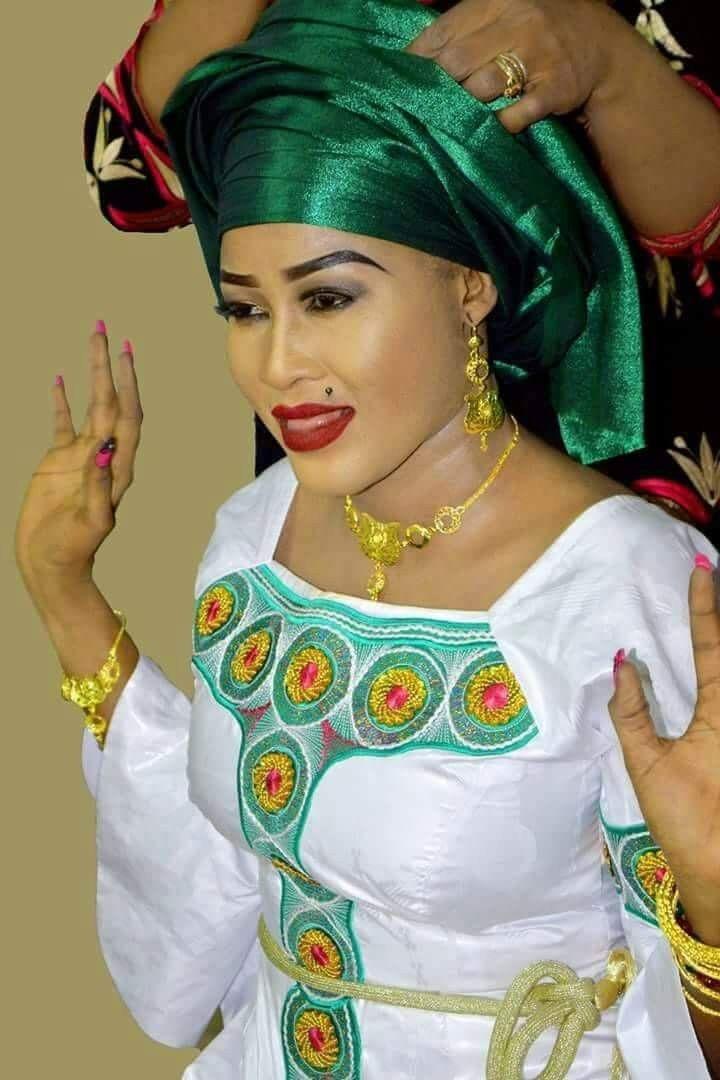 lian Fashion bazin #Malifashion #Malianfashion #bazin #Africanfashion #Westafricanfashion #Mali #Bamako #malianwomenarebeautiful #dimancheabamako #mussoro #malianwedding #bazinriche #malianbride #lesmaliennesontbelles #lesafricainessontbelles #brodé #brocade #teinture #gala #waxoutfits #ankara #dalifini #vlisco #getzner