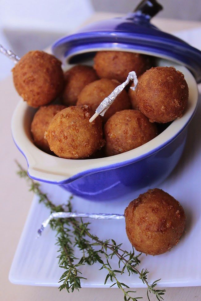 Polpettine di formaggio fritte (Fried Cheese balls) Original recipe is in French. language translator available.