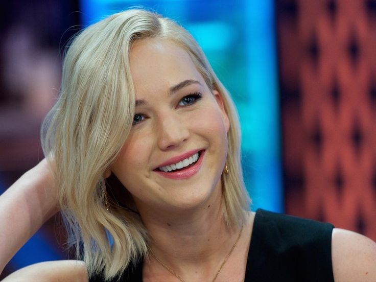 """Jennifer Lawrence Explains Her and Emma Stone's """"Crazy"""" Night After the Adele Concert 