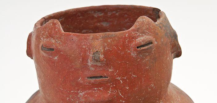 Alfarería diaguita. Jarro perteneciente al sitio arqueológico Estadio Fiscal de Ovalle.