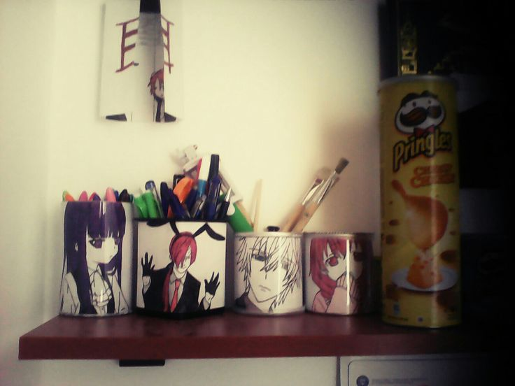 Inu×Boku (pencil holder made from Pringles boxes)