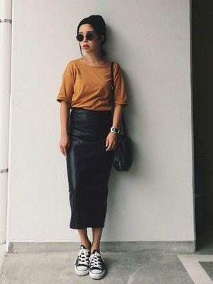 ハイウエストロングが今っぽい。素敵な40代の着こなし術♡アラフォー レザースカートおすすめコーデ術です。