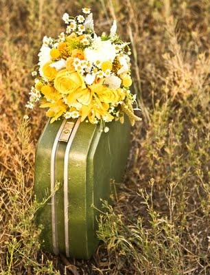 color inspiration - love this pretty yellow bouquet of flowers. oh and that vintage avocado green suitcase is so lovely!
