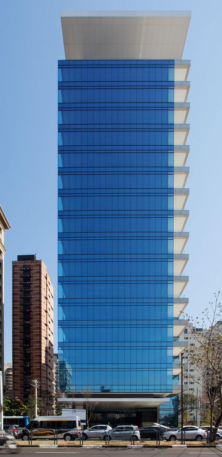Fachada em vidro Aflalo & Gasperini Arquitetos
